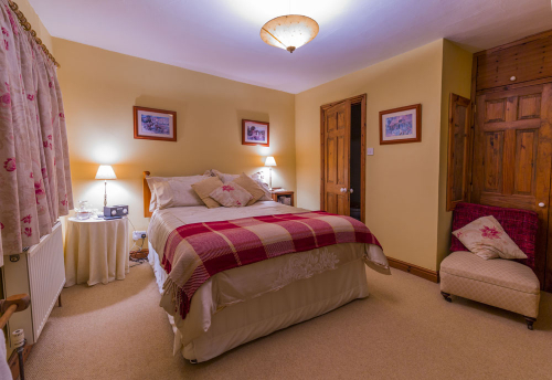 hardwicke-farm-bed-breakfast-2-500-500