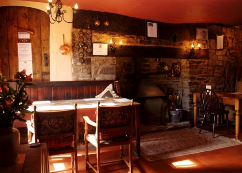 the-crown-country-inn-4-500-500