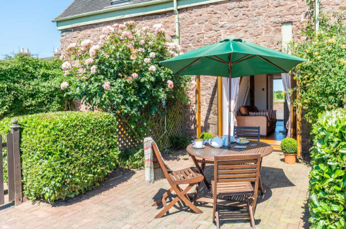 the-dinney-holiday-cottages-4-500-500