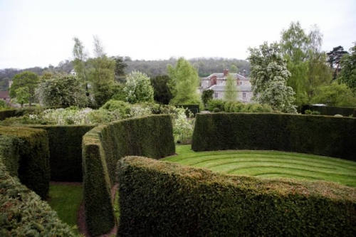 the-dower-house-garden-at-morville-hall-4-500-500